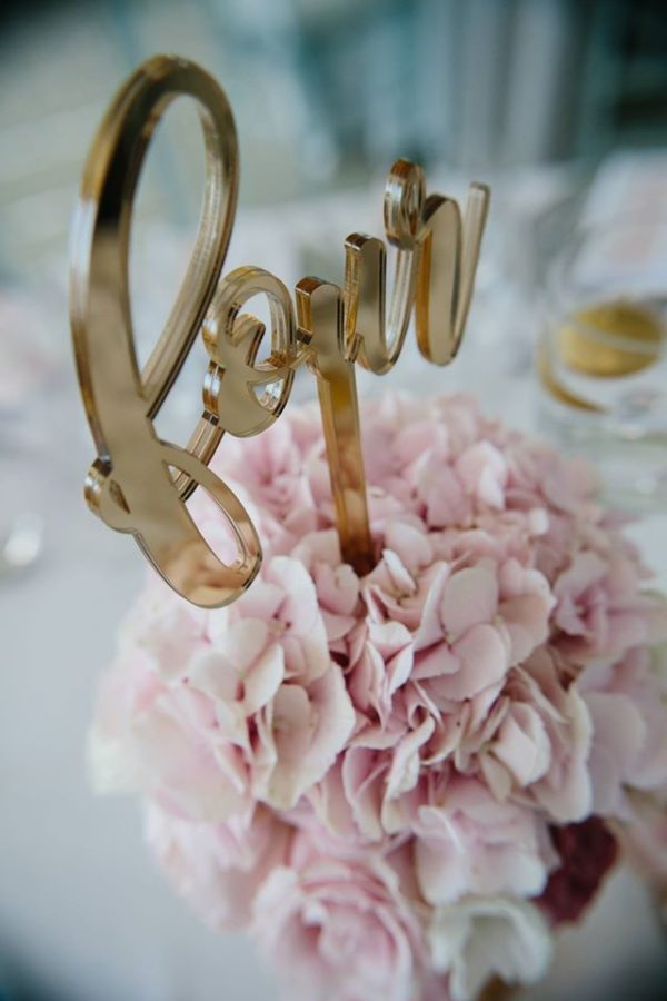 acrylic-table-number-gold