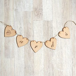 cards-heart-bunting-wood