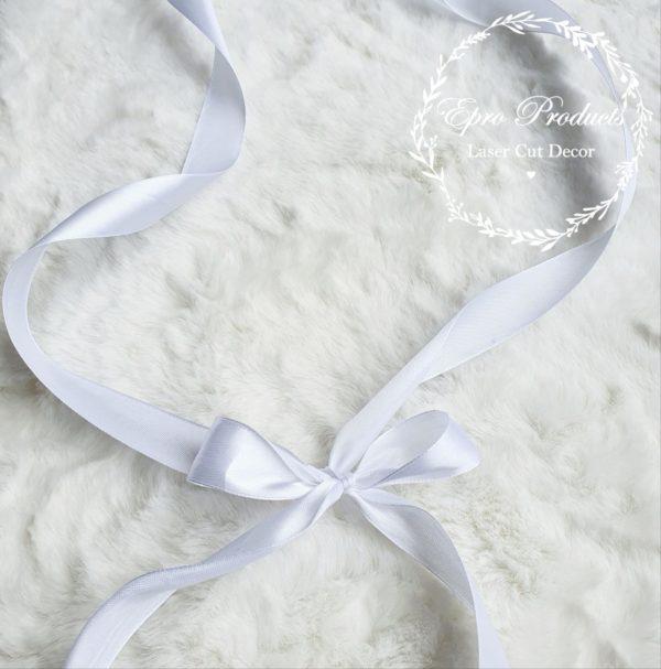 white-box-gift-ribbon
