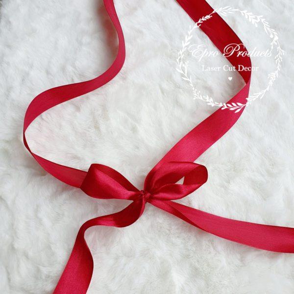 red-ribbon-gift-box