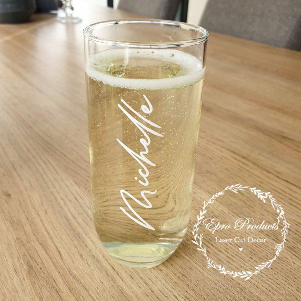 custom-champagne-glasses-wedding